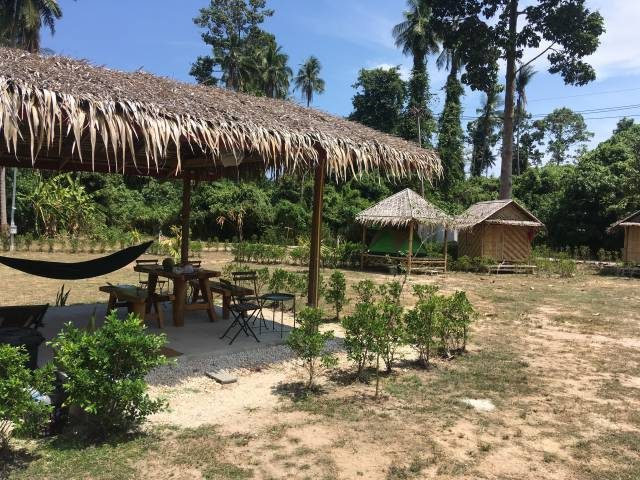 Koh Samui – best accommodation (Samui Hill Caravans)